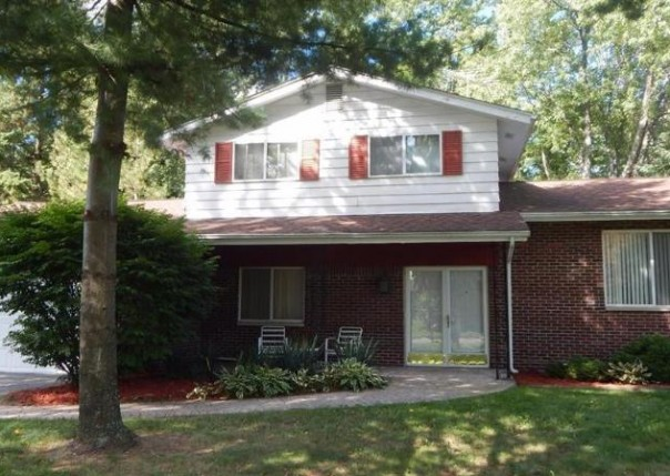 1041  Cabot Dr,  Flint, MI 48532 by Century 21 Woodland Realty $91,500
