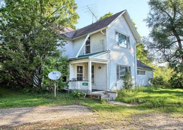 2060  Grange Hall Rd,  Fenton, MI 48430 by Remax Platinum Fenton $750,000