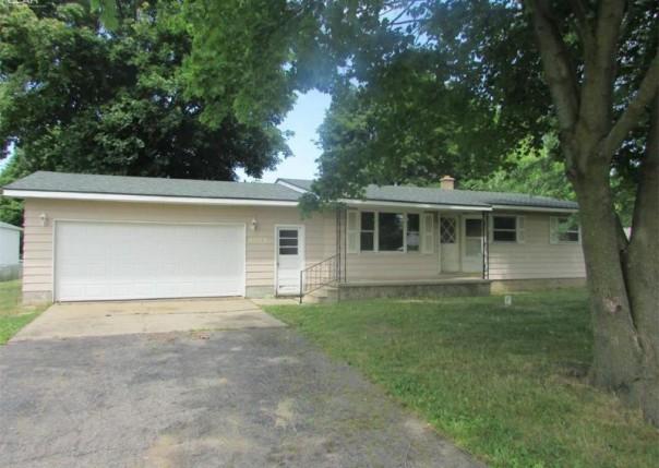 5075 E Carpenter Rd,  Flint, MI 48506 by Remax Grande $54,900