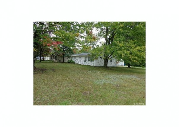 201  Robinhood Dr,  Montrose, MI 48457 by Independent Realty Inc. $74,900