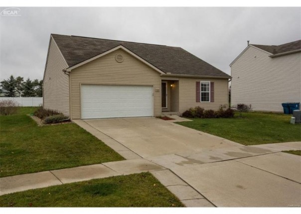 3121  Pine Run Dr,  Swartz Creek, MI 48473 by Piper Realty Company $139,900