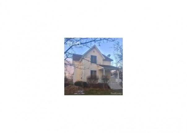 5082  Maple St,  Fairgrove, MI 48733 by Signature Real Estate $37,500