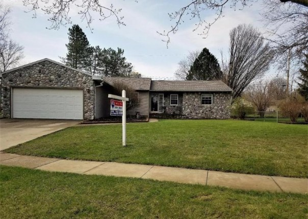 1136  Springview Dr,  Flushing, MI 48433 by Remax Town & Country $149,900