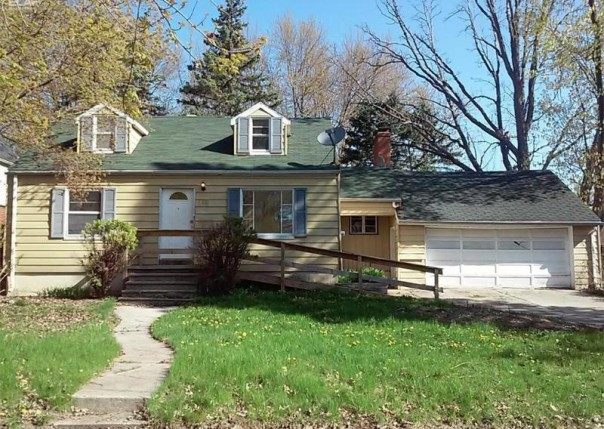 415  Buckingham Ave,  Flint, MI 48507 by Ron James & Associates $14,900