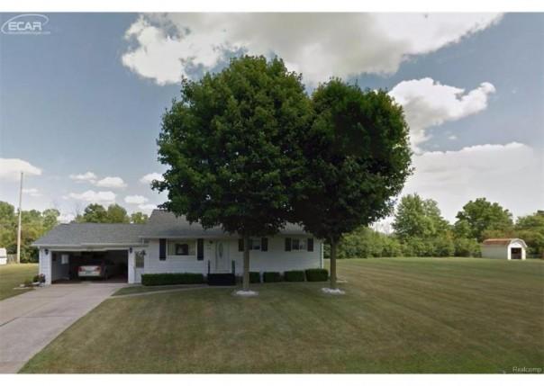 1370  Clairwood Dr,  Burton, MI 48509 by Remax Real Estate Team $117,000