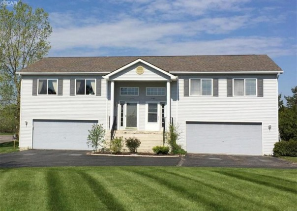 1068  Christina Ln,  Grand Blanc, MI 48439 by Berkshire Hathaway Homeservices Michigan Real Esta $119,900