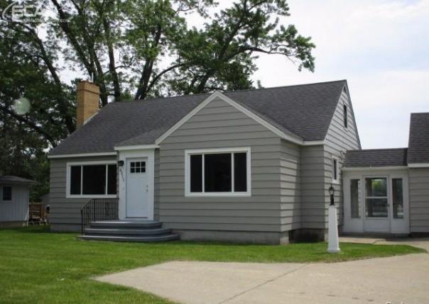 6311  Silver Lake,  Linden, MI