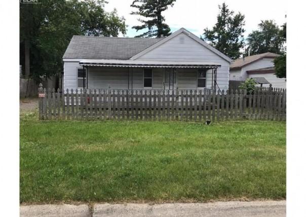 1039 W Boatfield Ave,  Flint, MI 48507 by Century 21 Metro Brokers $11,500