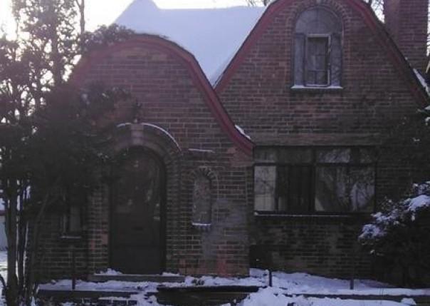 4885  Bishop,  Detroit, MI