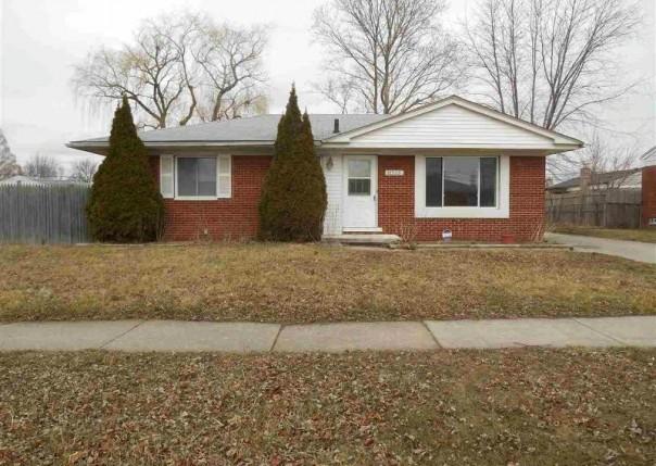 18525 Whalen,  Clinton Township, MI 48035 by Unity Real Estate $1,050