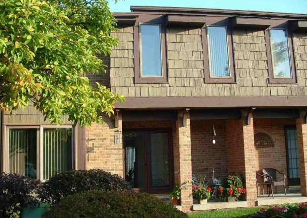 2500 River Road #46 Marysville, MI 48040 by Real Estate One $1,300