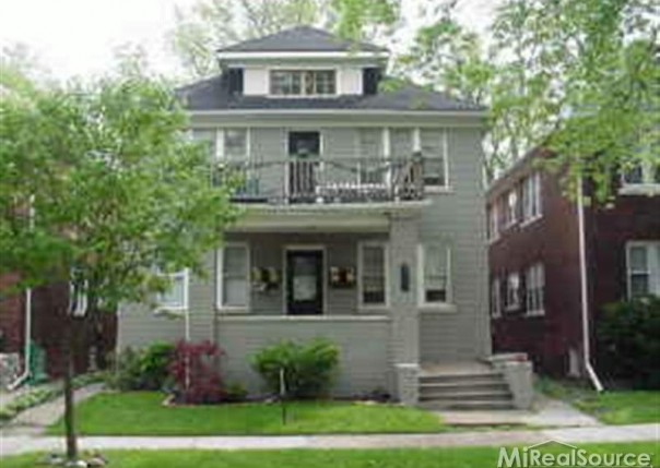 862 Nottingham Grosse Pointe Park, MI 48230 by Grosse Pointe Apartments Llc $795