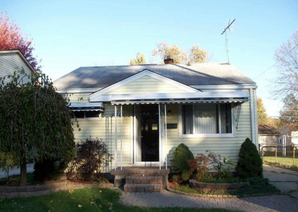 23602 Columbus Ave,  Warren, MI 48089 by Unity Real Estate $700