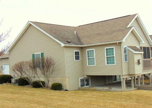 512 Hampton Lake Drive, Essexville, MI, 48732
