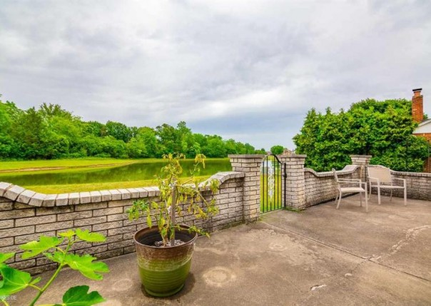 42644 Pond View Dr, Sterling Heights, MI, 48314
