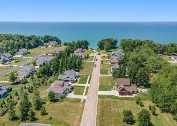 7152 Windcliff Drive,  South Haven, MI 49090 by Berkshire Hathaway Homeservices Michigan Real Esta $145,000