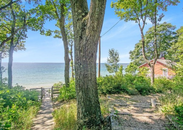18100 Holcomb, Grand Haven, MI, 49417