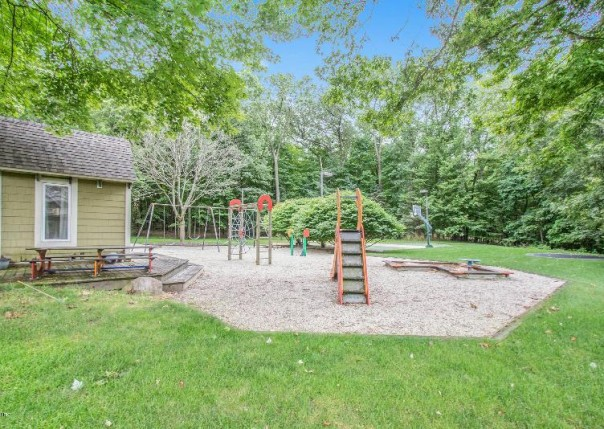 543 Roundtree, Ada, MI, 49301