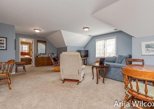 7944 Whitburn, Ada, MI, 49301