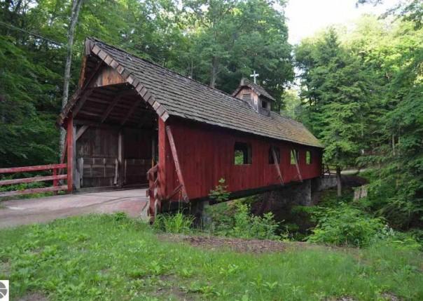 Six Tashas Trail, Lake Ann, MI, 49650