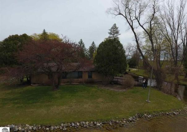 2950 W Lakeside, West Branch, MI, 48661
