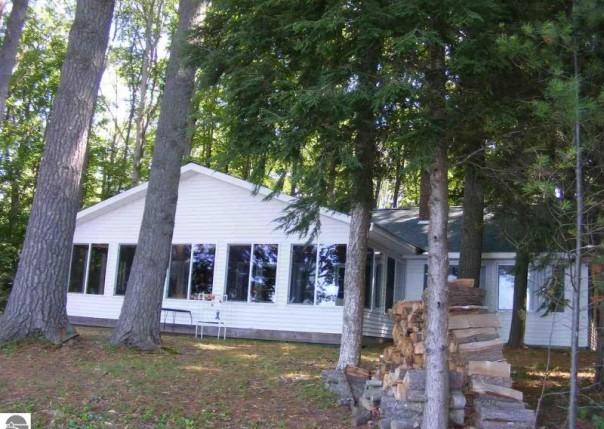 2580 Pleasant Lake Shore Drive, Cadillac, MI, 49601