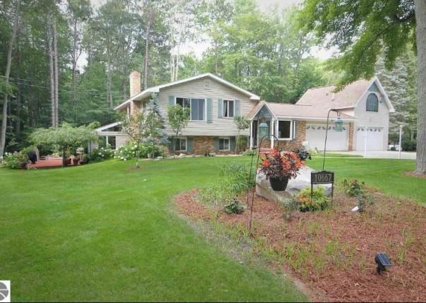 10667 Pine Grove Drive, Cadillac, MI, 49601