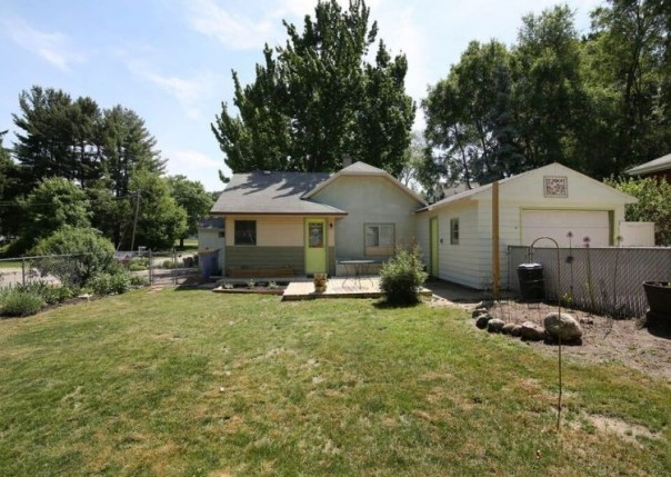 2150 NE Fuller Ave Grand Rapids, MI 49505 by Real Estate One $79,000