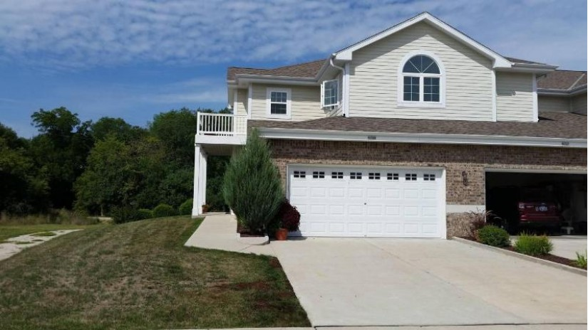 6713 S Prairiewood Ln Franklin, WI 53132-7210 by Point Real Estate $249,900