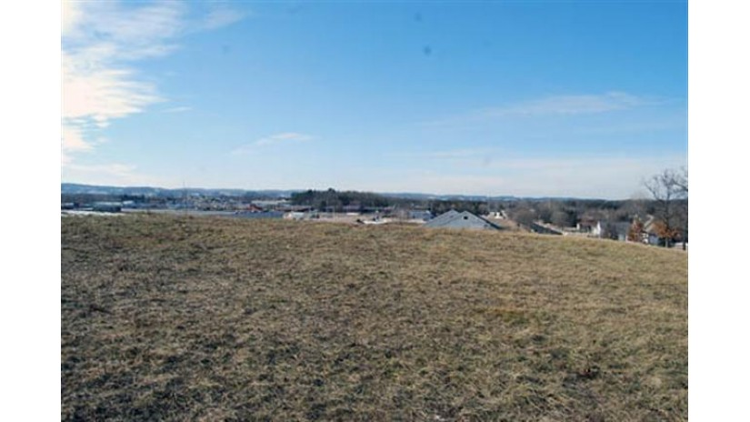 L31 Eastridge Cir Reedsburg, WI 53959 by Re/Max Preferred $28,200