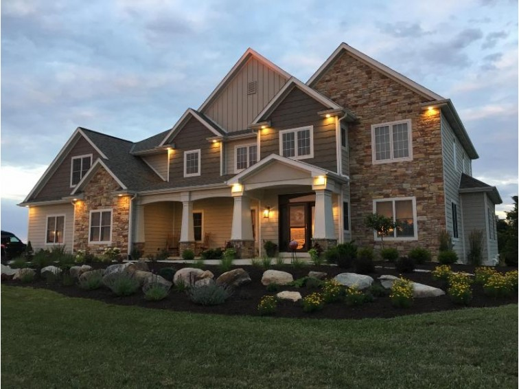 9127 222nd Ave, Salem, WI by Re/Max Newport Elite $799,900