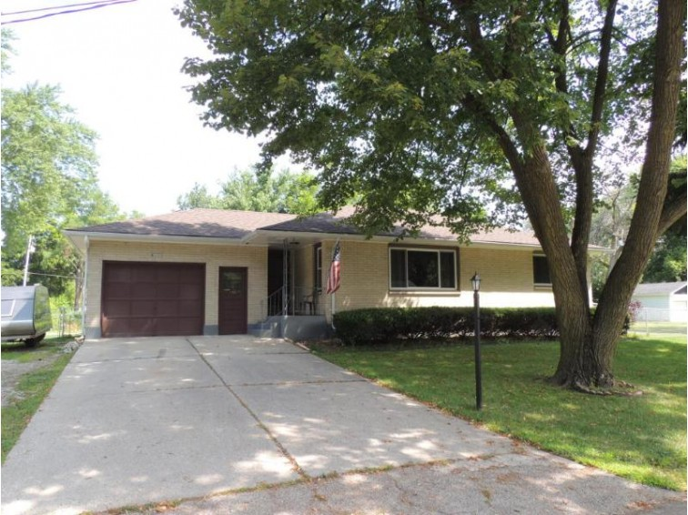 W1382 Greenview Rd, Genoa City, WI by New Era Realty, Inc. $185,000