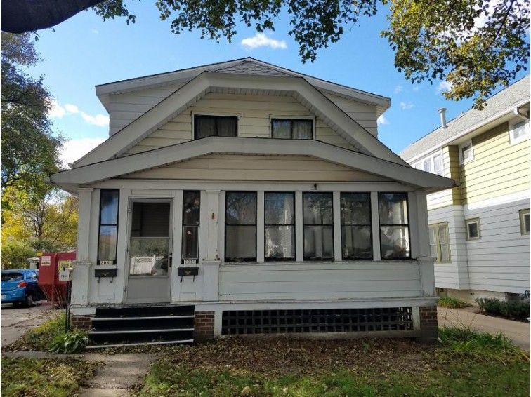 2039 S 83rd St 2041, West Allis, WI by Realty Executives - Integrity $109,900