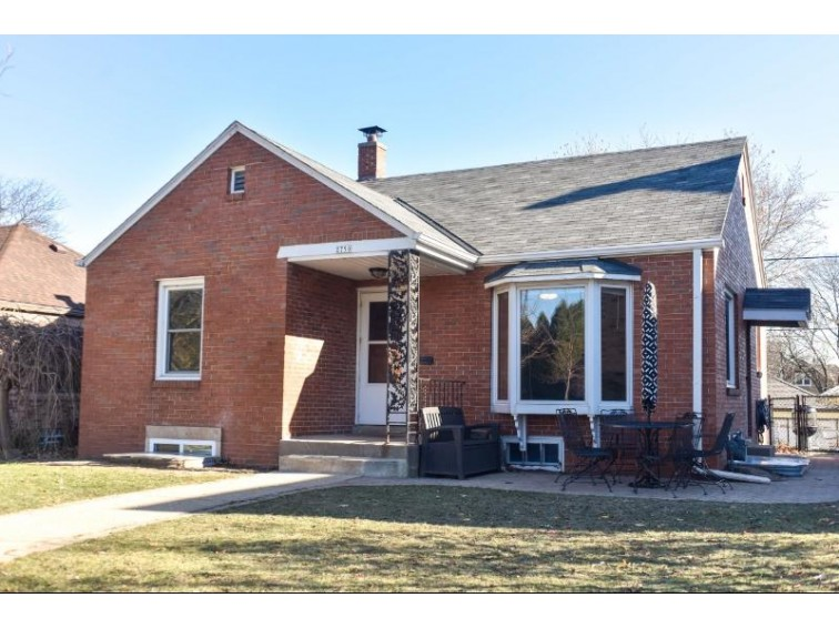 2750 S Fulton St, Milwaukee, WI by Shorewest Realtors - South Metro $169,900