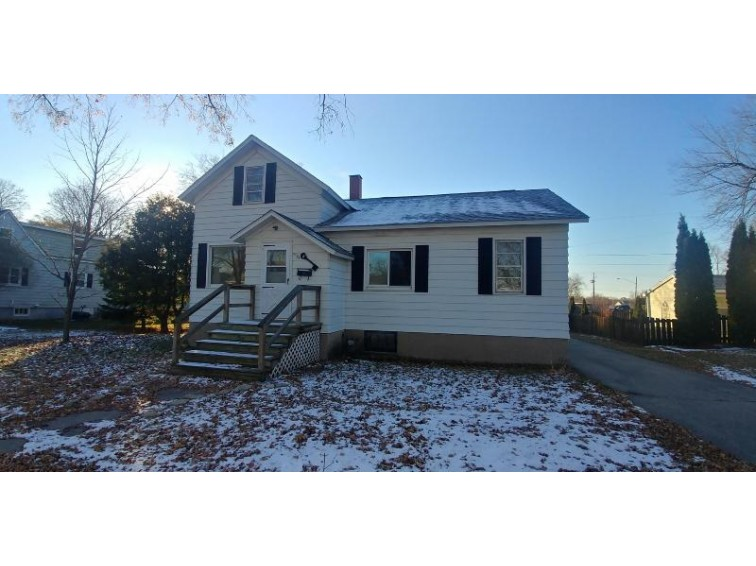 1163 W Hosmer St, Marinette, WI by State Wide Re Mi/Wi Inc (wi) $59,900