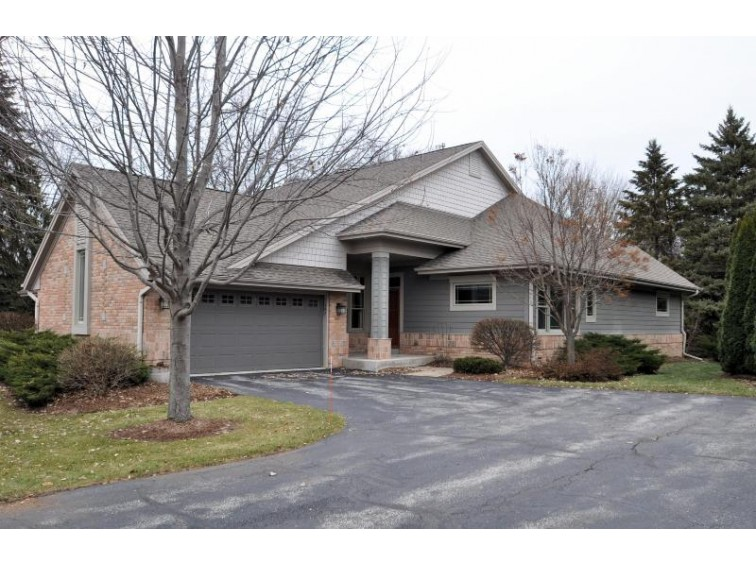 142 W Parkfield Ct, Wind Point, WI by Becker Stong Real Estate Group, Inc. $294,999