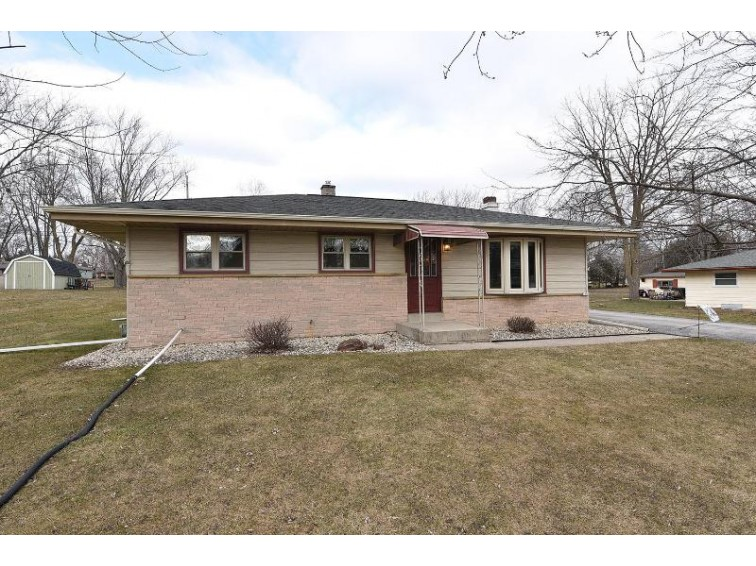 3906 W Acre Ave, Franklin, WI by Keller Williams Realty-Milwaukee Southwest $197,500