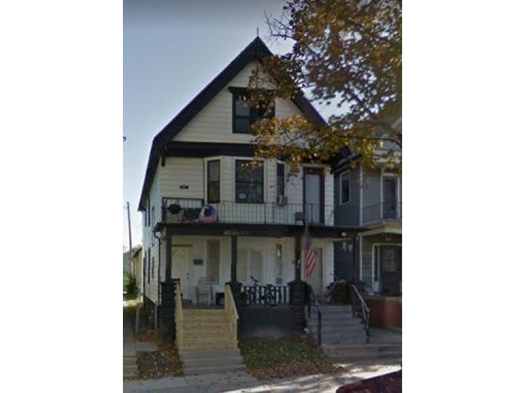 1572 S 24th St 1574, Milwaukee, WI by Re/Max Lakeside-27th $94,900