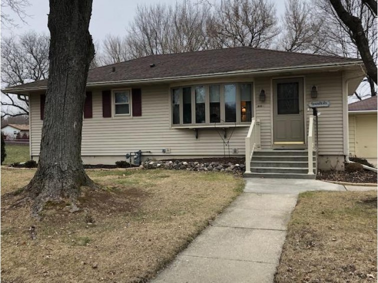 1010 W Cramer St, Fort Atkinson, WI by First Weber Real Estate $154,900
