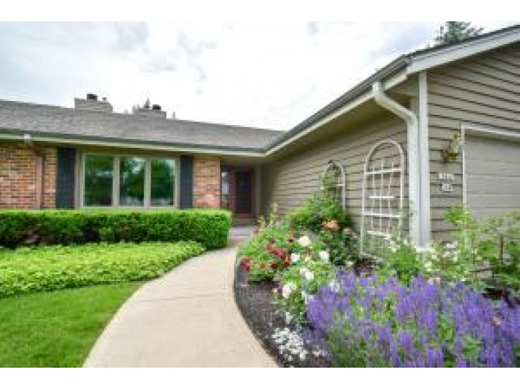 10641 N Magnolia Dr, Mequon, WI by First Weber Real Estate $333,000