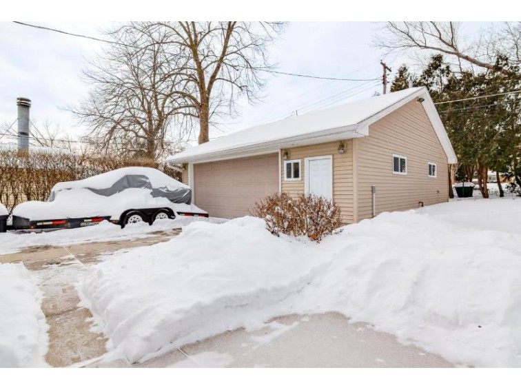 2129 N 115th St, Wauwatosa, WI by Leitner Properties $249,900