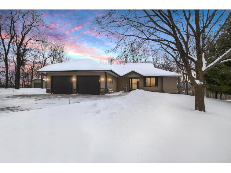 N1484 Meadow Ridge Rd, La Crosse, WI by Coldwell Banker River Valley, Realtors $334,900