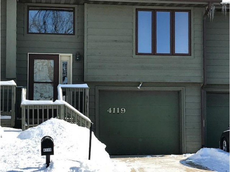 4119 Cliffside Dr, La Crosse, WI by Re/Max First Choice $109,900