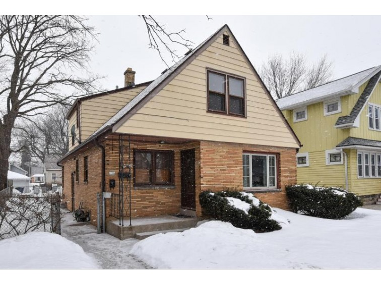 139 S 72nd St 139a, Milwaukee, WI by Firefly Real Estate, Llc $160,000