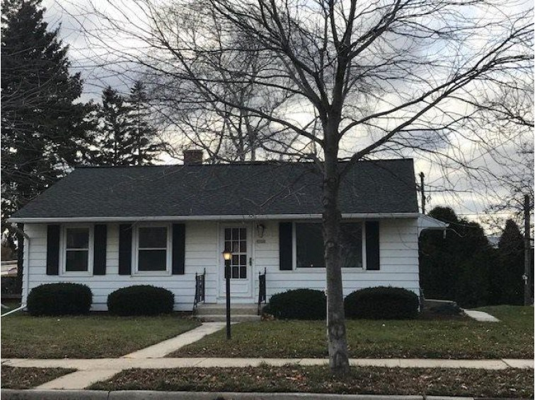 1112 N 23rd St, Manitowoc, WI by Non Mls $78,900
