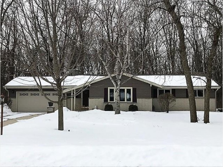 5555 S 113th St, Hales Corners, WI by Non Mls $270,000