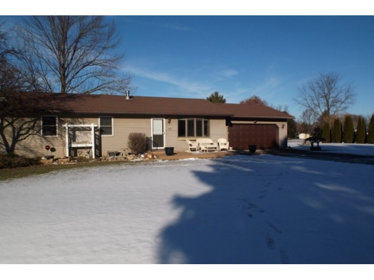 2610 Gladeview Rd, Cottage Grove, WI by First Weber Real Estate $259,900