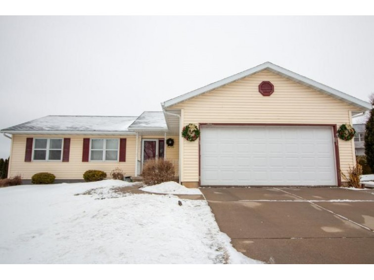 5718 Bellows Cir, Madison, WI by Realty Executives Cooper Spransy $270,000