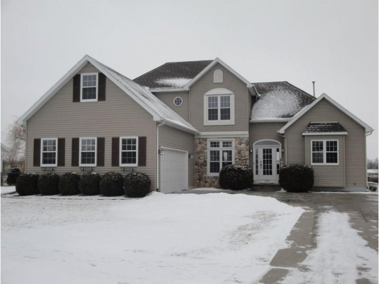 547 S 6th St, Evansville, WI by American, Realtors $254,900
