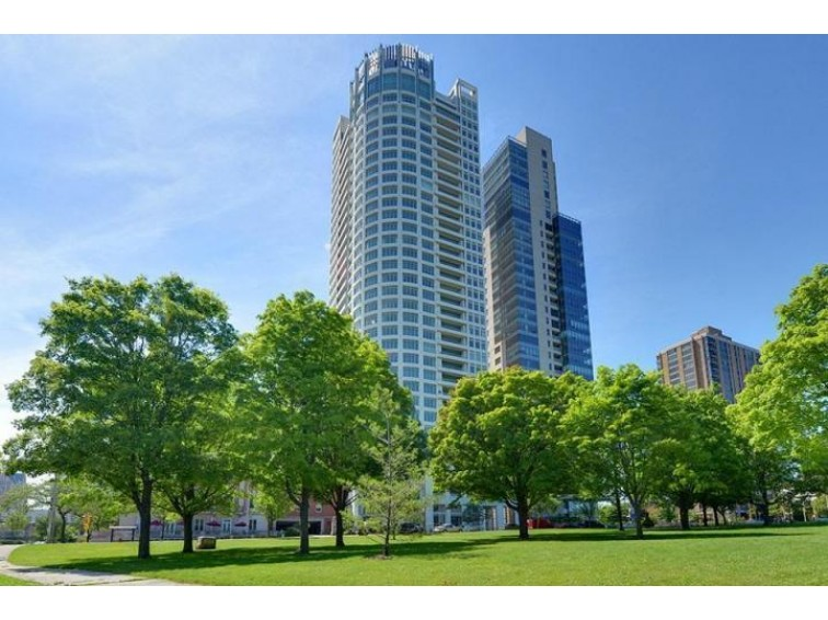 825 N Prospect Ave 2601, Milwaukee, WI by Mahler Sotheby'S International Realty $3,750,000